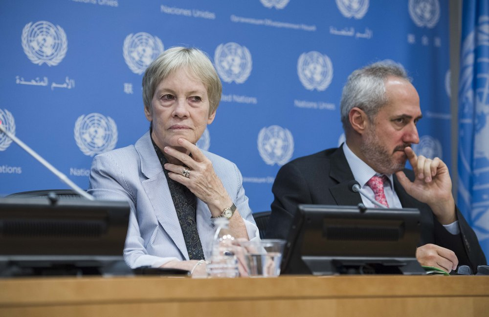 Karen AbuZayd (left), Special Adviser on the UN Summit on Addressing Large Movements of Refugees and Migrants, during a briefing to journalists on the Summit. At her side is Stéphane Dujarric, Spokesperson for the Secretary-General.