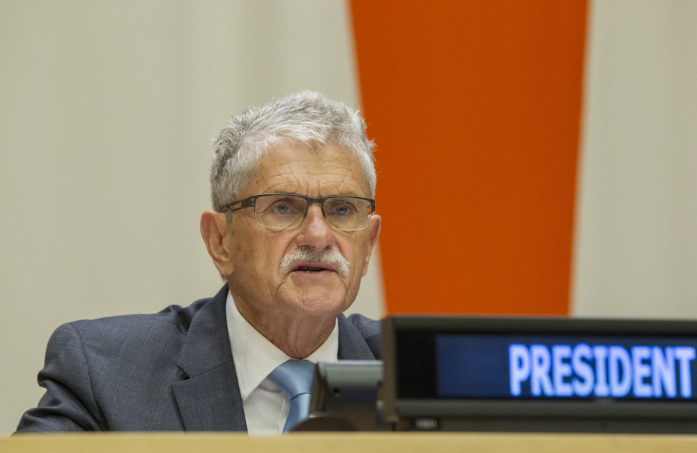 Mogens Lykketoft, President of the seventieth session of the General Assembly and Co-Chair of the UN Summit for Refugees and Migrants, chairs a plenary meeting of the Summit