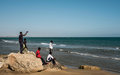 Le HCR demande un soutien pour les solutions alternatives aux voyages dangereux pour les réfugiés